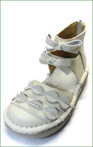 エスタシオン靴 estacion  et285iv アイボリー 左靴の画像