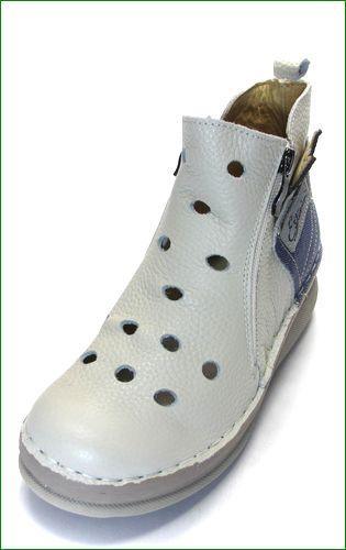 エスタシオン靴 estacion  et3030iv アイボリー 左靴の画像