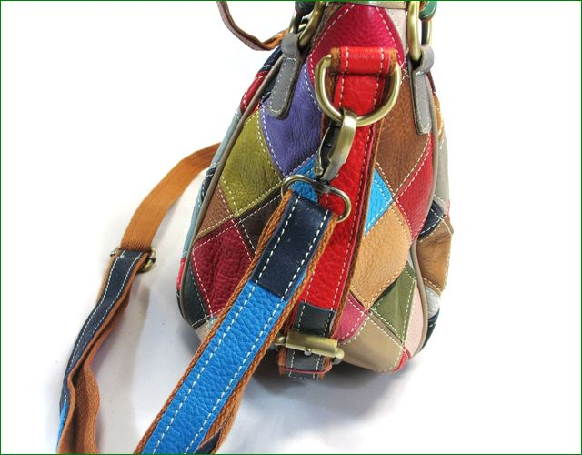 エスタシオン鞄 横からの画像